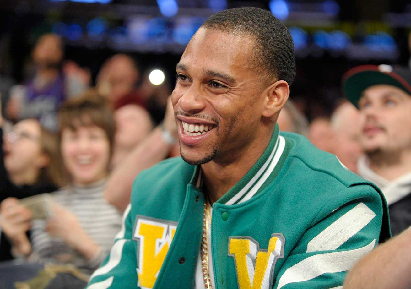 New York Giants wide receiver Victor Cruz watches the New York Knicks and Toronto Raptors at Madison Square Garden.