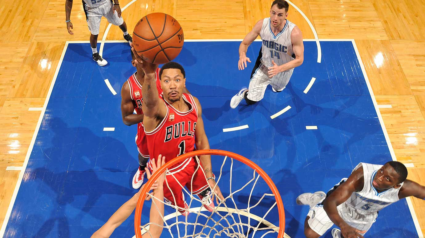Derrick Rose of the Chicago Bulls shoots against the Orlando Magic.