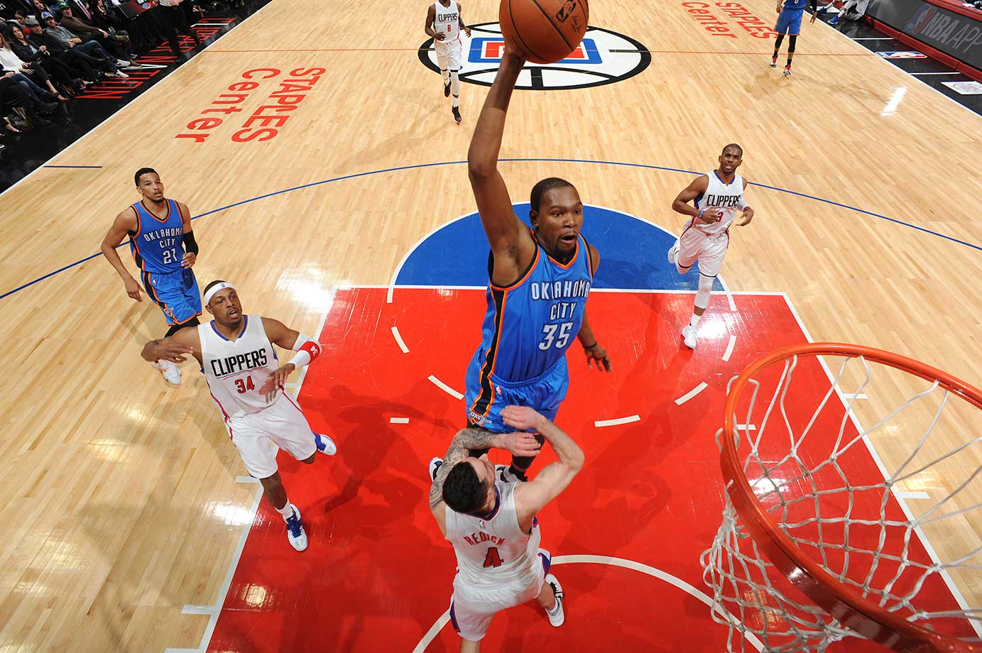 Kevin Durant of Oklahoma City goes for a dunk during a 103-98 loss to the Los Angeles Clippers.