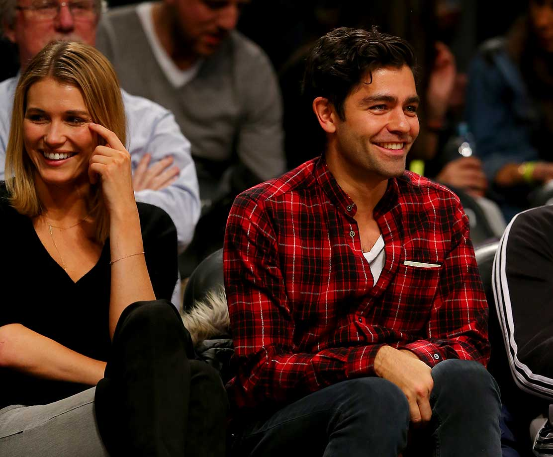 Adrian Grenier attends the game between the Brooklyn Nets and the Memphis Grizzlies.