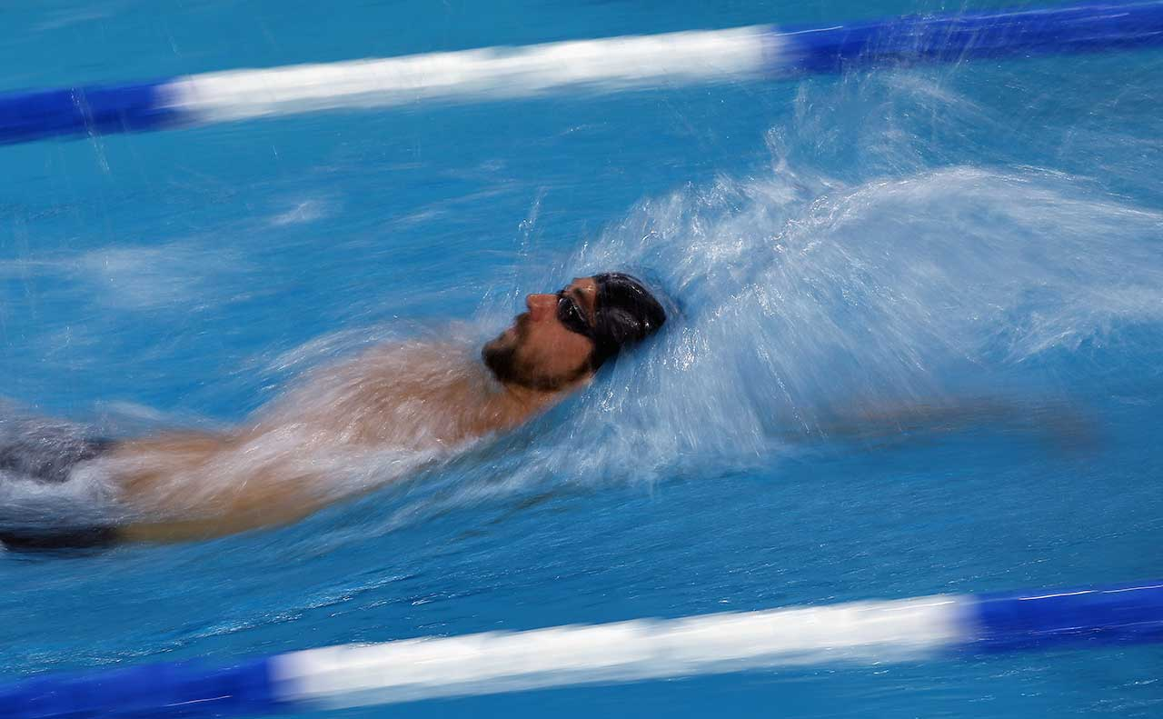Michael Phelps swims in the 200 meter individual medley during the Arena Pro Swim Series at Austin on January 17, 2016 in Austin, Texas.  (Photo by Ronald Martinez/Getty Images)