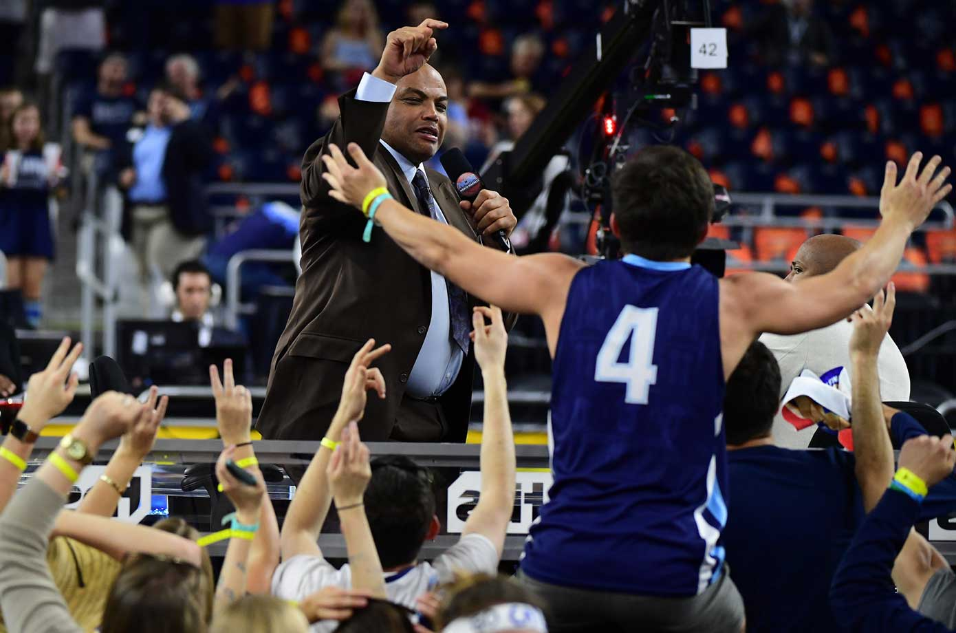 Charles Barkley interacts with Villanova fans before the game.