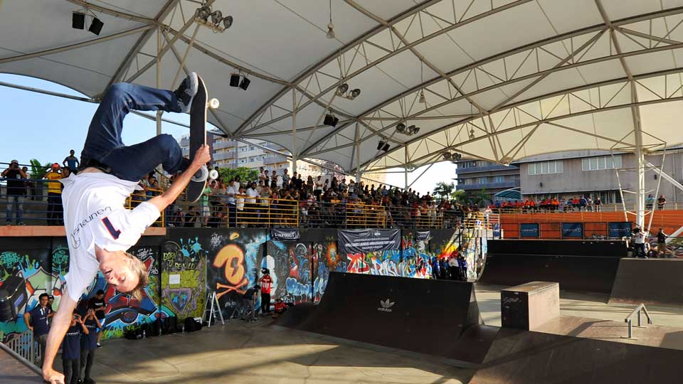 Tony Hawk puts on a show for fans at the Rakan Muda Sports Complex Skate Park in Kuala Lumpur.