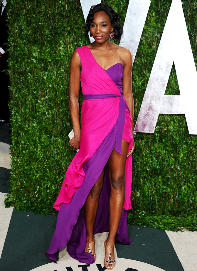 It's hard to call a two-tone purple and pink dress subtle, but Venus Williams' understated accessories ensure that the outfit doesn't shine brighter than the woman wearing it.