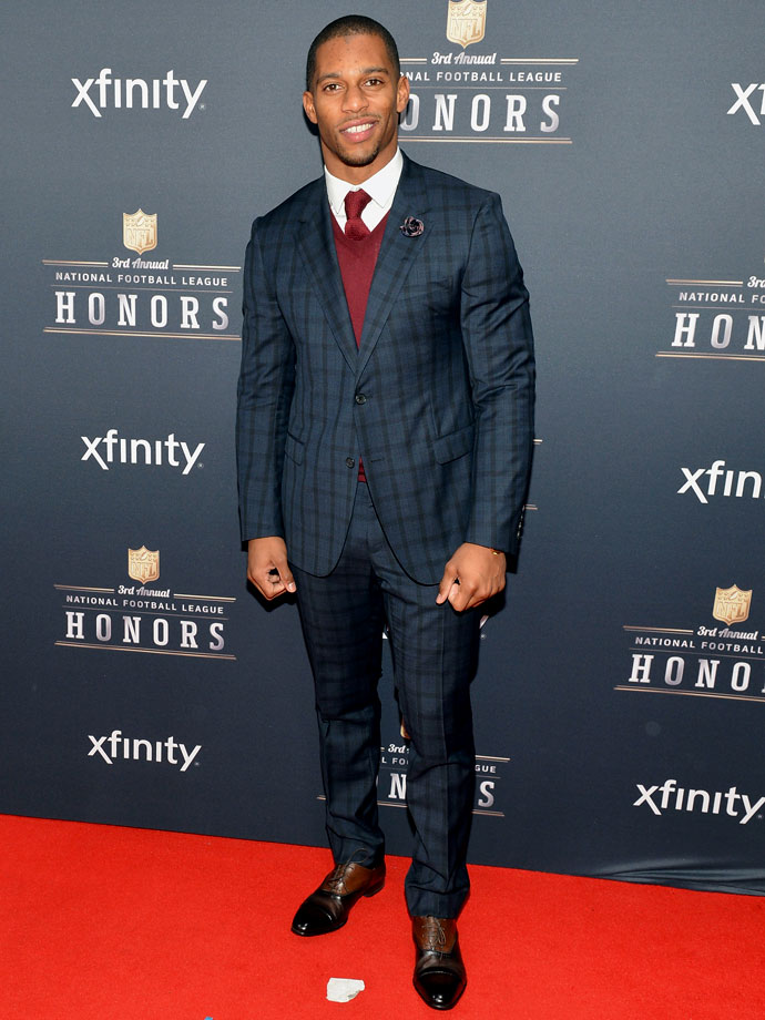 You might wonder whether Victor Cruz gets hot under all those layers, but remember this: he's hot even without them.