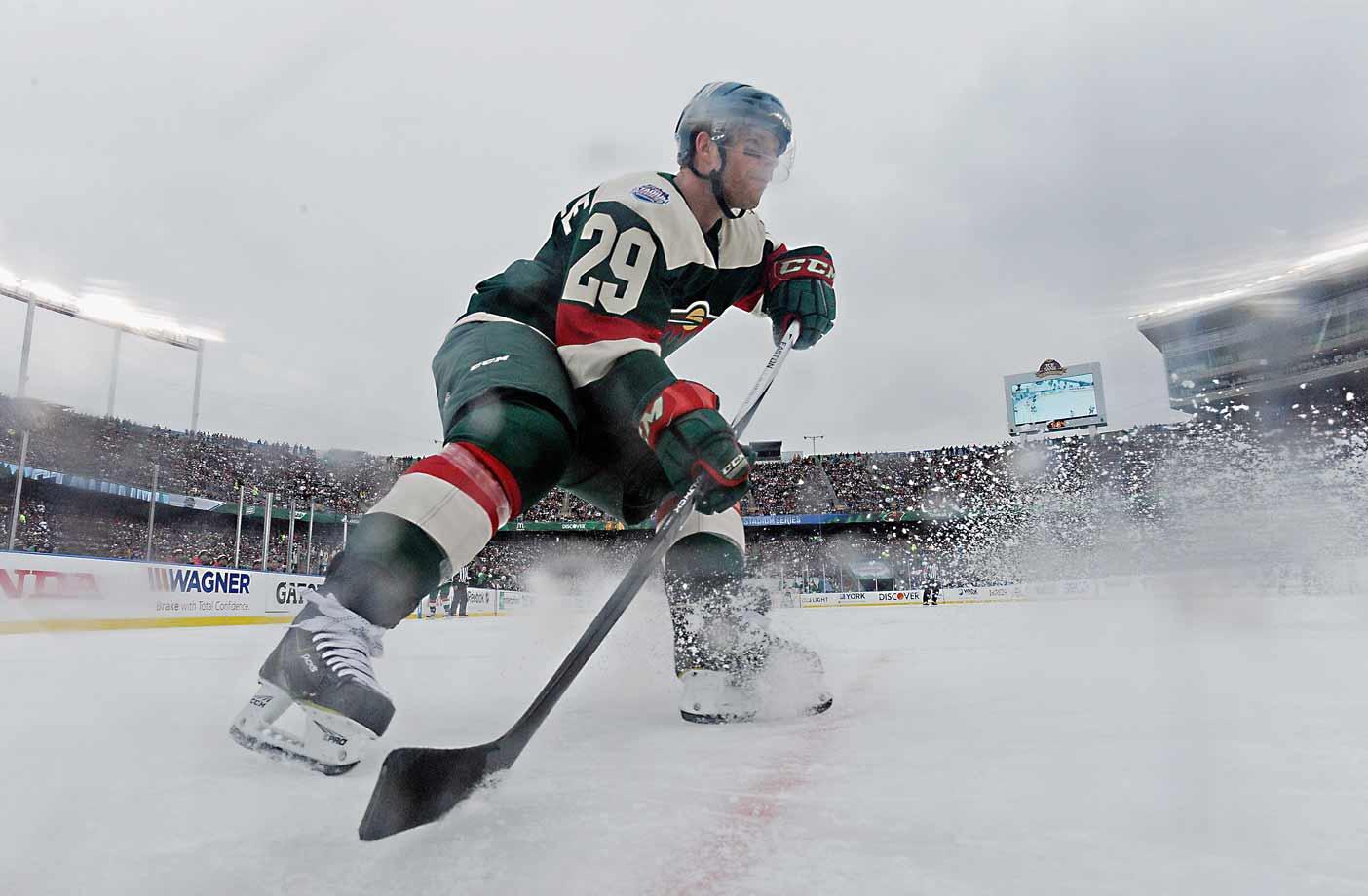 Center Jason Pominville and his linemates Nino Niederreiter and Erik Haula had a big day, combining for three goals and eight points in Minnesota's 6–1 rout. With a goal and two assists apiece, Pominville and Haula tied the NHL outdoor game scoring record held by seven other players.