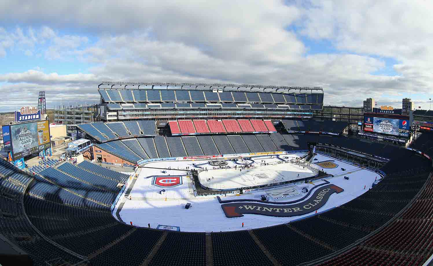In 2016, the traditional New Year's Day event returned to Boston. Fenway Park hosted the Bruins and visiting Philadelphia Flyers in 2010. This time, the site was the more modern Gillette Stadium, home of the NFL's Patriots. The Bruins' foes were their traditional bitter rivals, the Montreal Canadiens.
