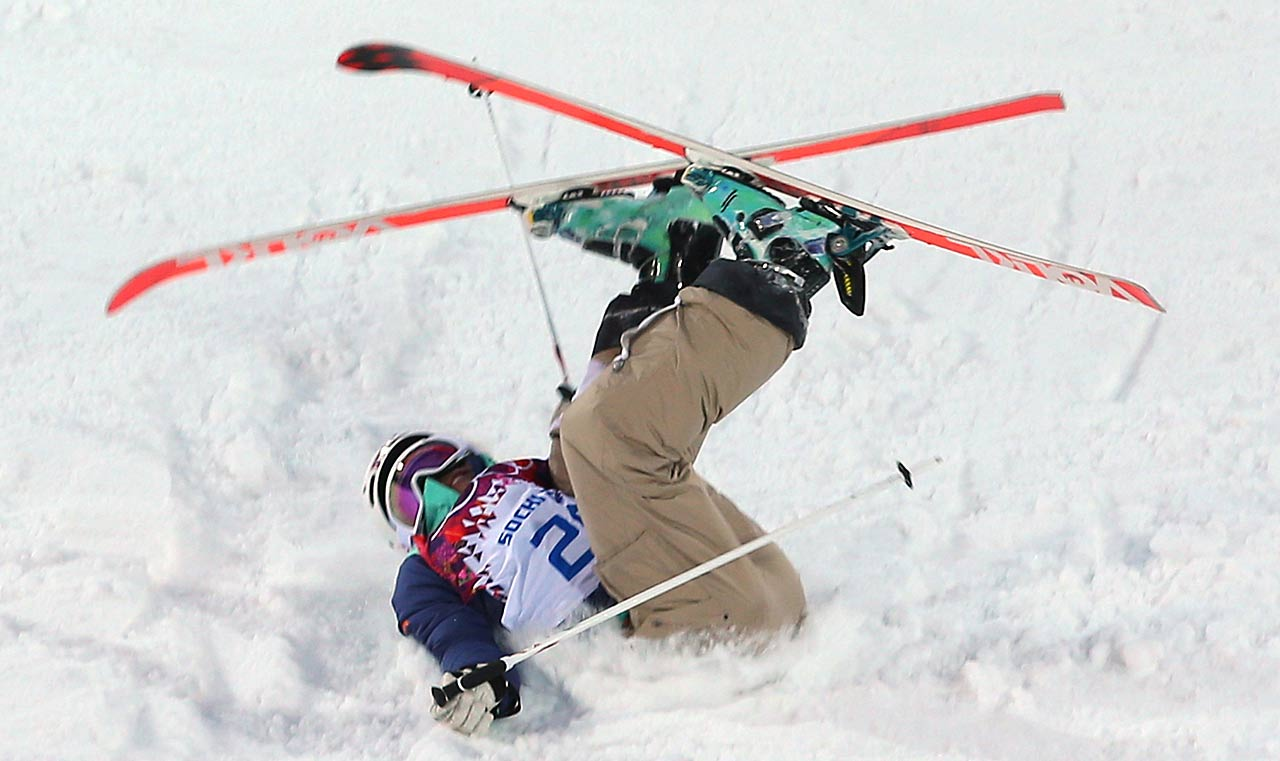 Hedvig Wessel of Norway crashes out in the Ladies' Moguls Qualification.