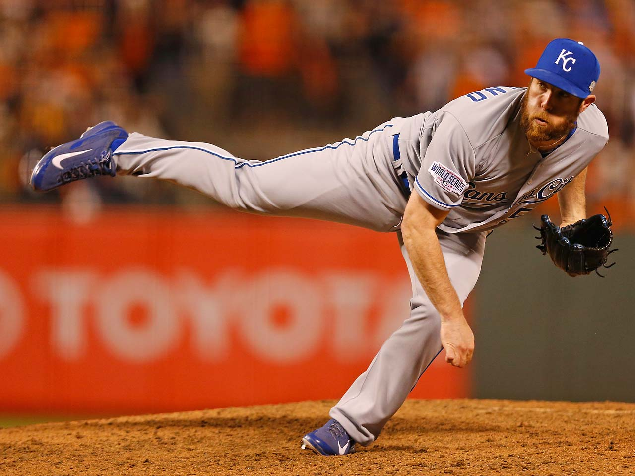 The Kansas City Royals relied on their bullpen to take a two games to one lead in the World Series, with Greg Holland closing the door in the ninth inning for his seventh save this postseason.