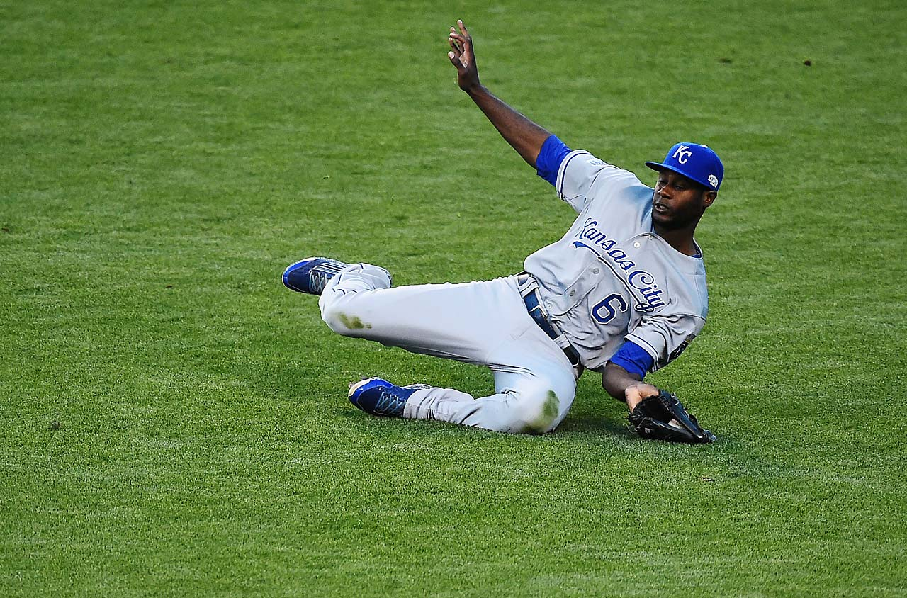 Lorenzo Cain gets to a ball to help keep the Giants at bay.