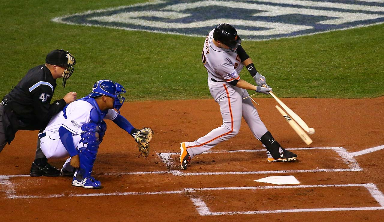 Buster Posey's bat splintered during one of his at-bats.