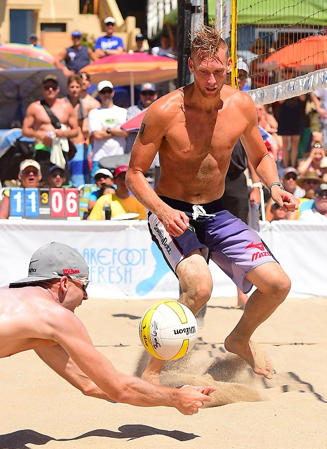 Jake Gibb (shown here digging) and Casey Patterson sputtered to a seventh place finish.
