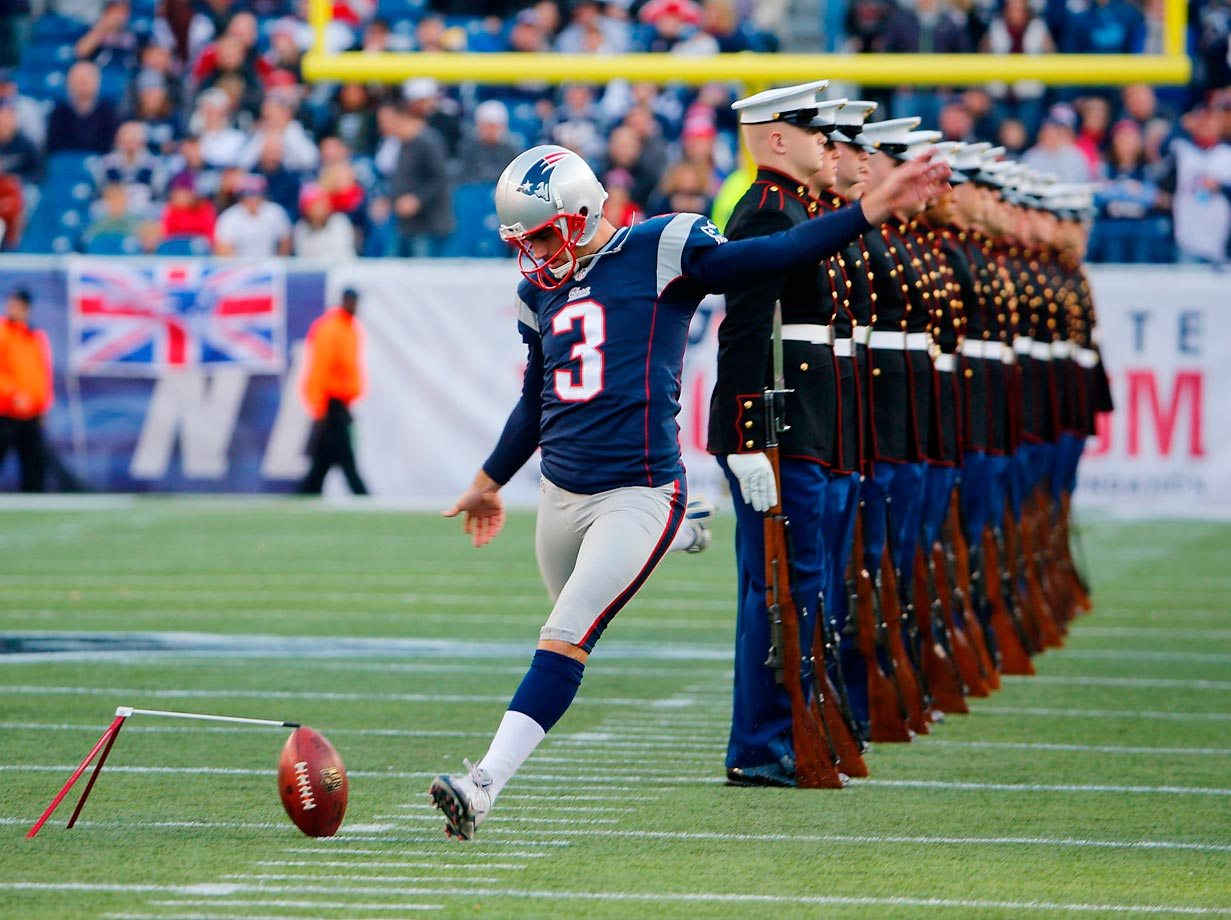 Patriots kicker Stephen Gostkowski didn't let troops on the field keep him from practicing.