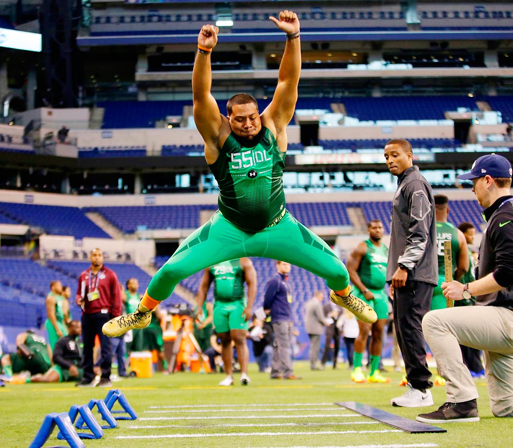 Auburn defensive lineman Gabe Wright gives this jump all he has at the combine.