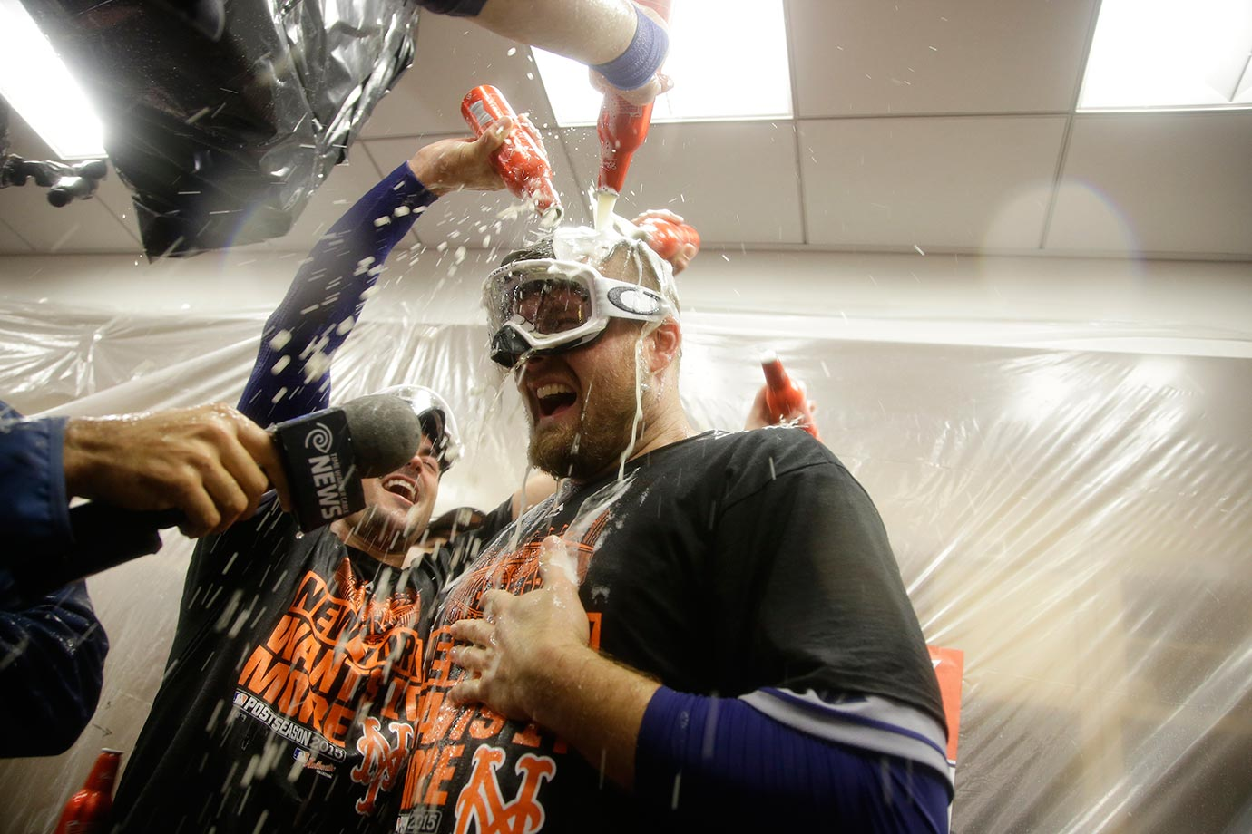 Lucas Duda of the Mets celebrating a win against the Dodgers in Game 5 of the NLDS.