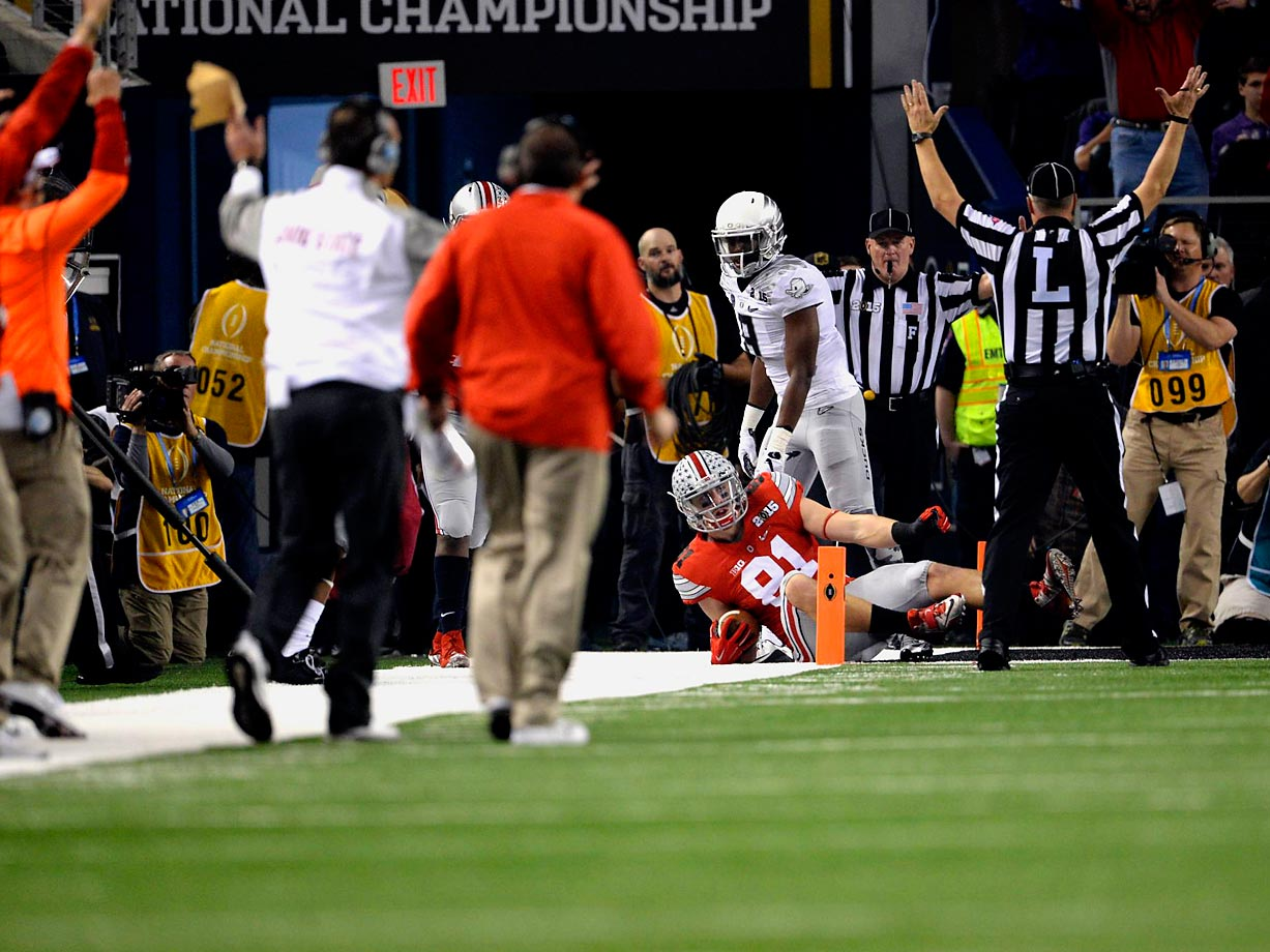 Ohio State tight end Nick Vannett goes to the ground after his touchdown catch in the first half.