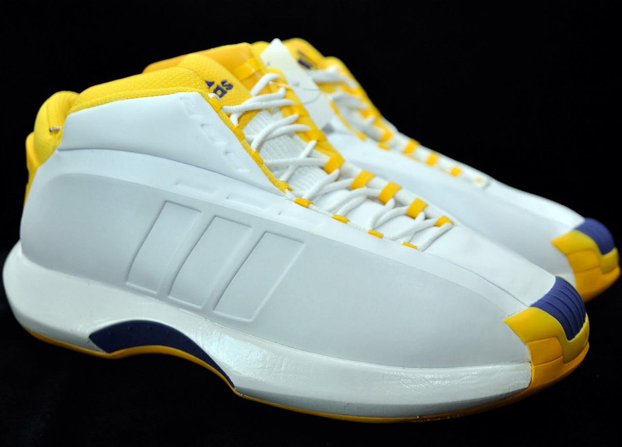 1a63b7ffada6 History of Kobe Bryant s Signature Shoes