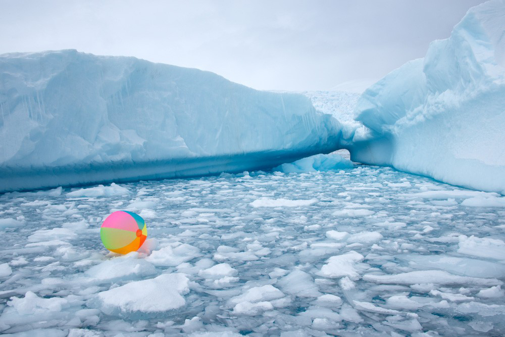 """NEON BEACH BALL ICEBERGS"""