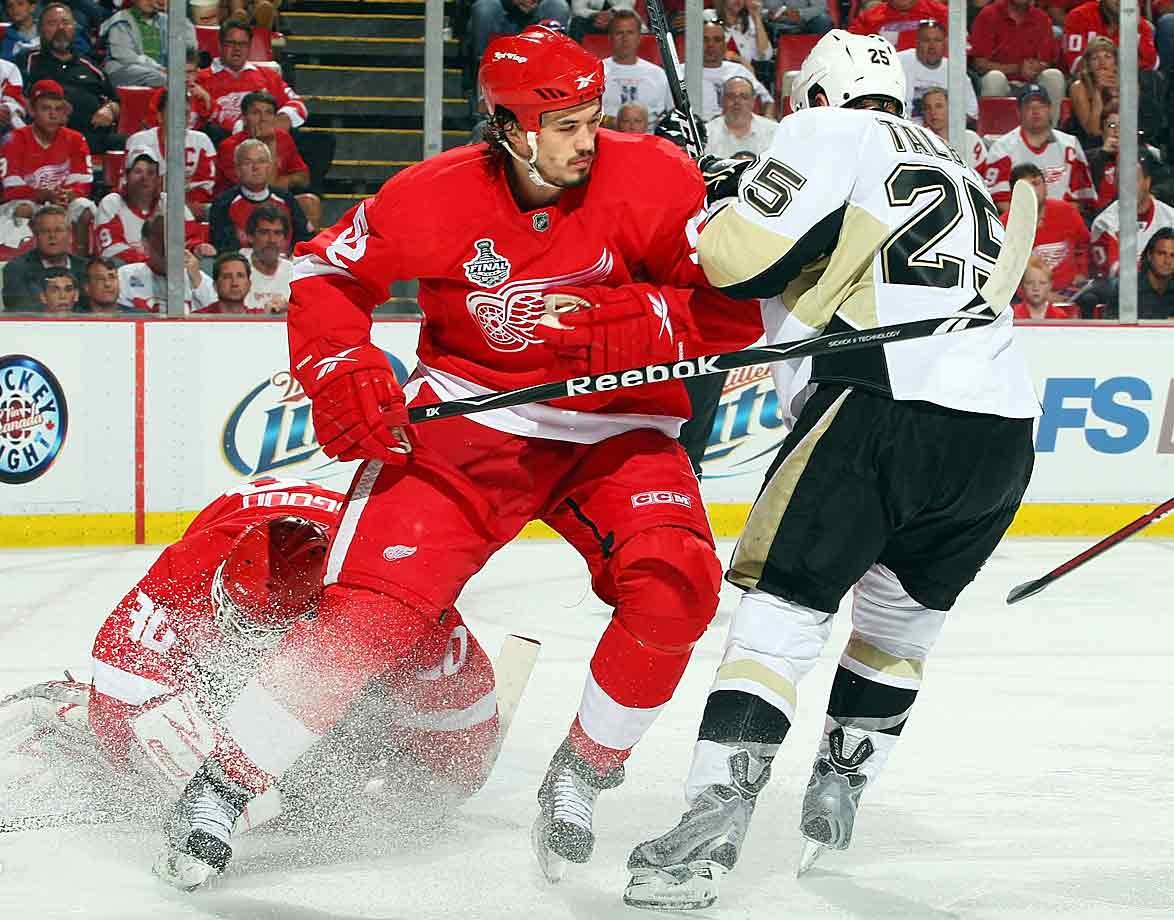 Perhaps the land speed record for appendectomy recovery, the Red Wings defenseman missed Detroit's Western Conference finals clincher vs. Chicago but needed only three days to get back to work. Suiting up for Game 1 of the Stanley Cup finals vs. the Penguins, Ericsson logged 16:47 of ice time in 19 shifts and was +1 in the Wings's 3–1 win.