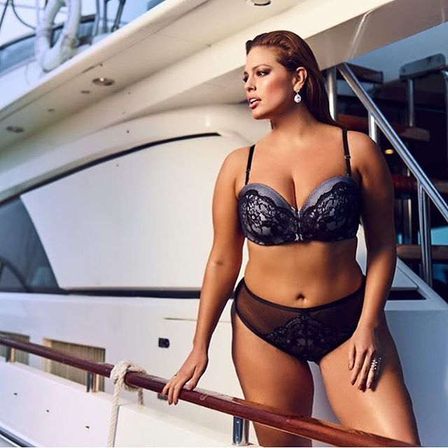 I'm on a boat! Giving you a little sneak peek into my summer lingerie collection with @AdditionElle.  @jeanclaudelussier  @leslie_ann_thomson  @carytauben #iamsizesexy #beautybeyondsize