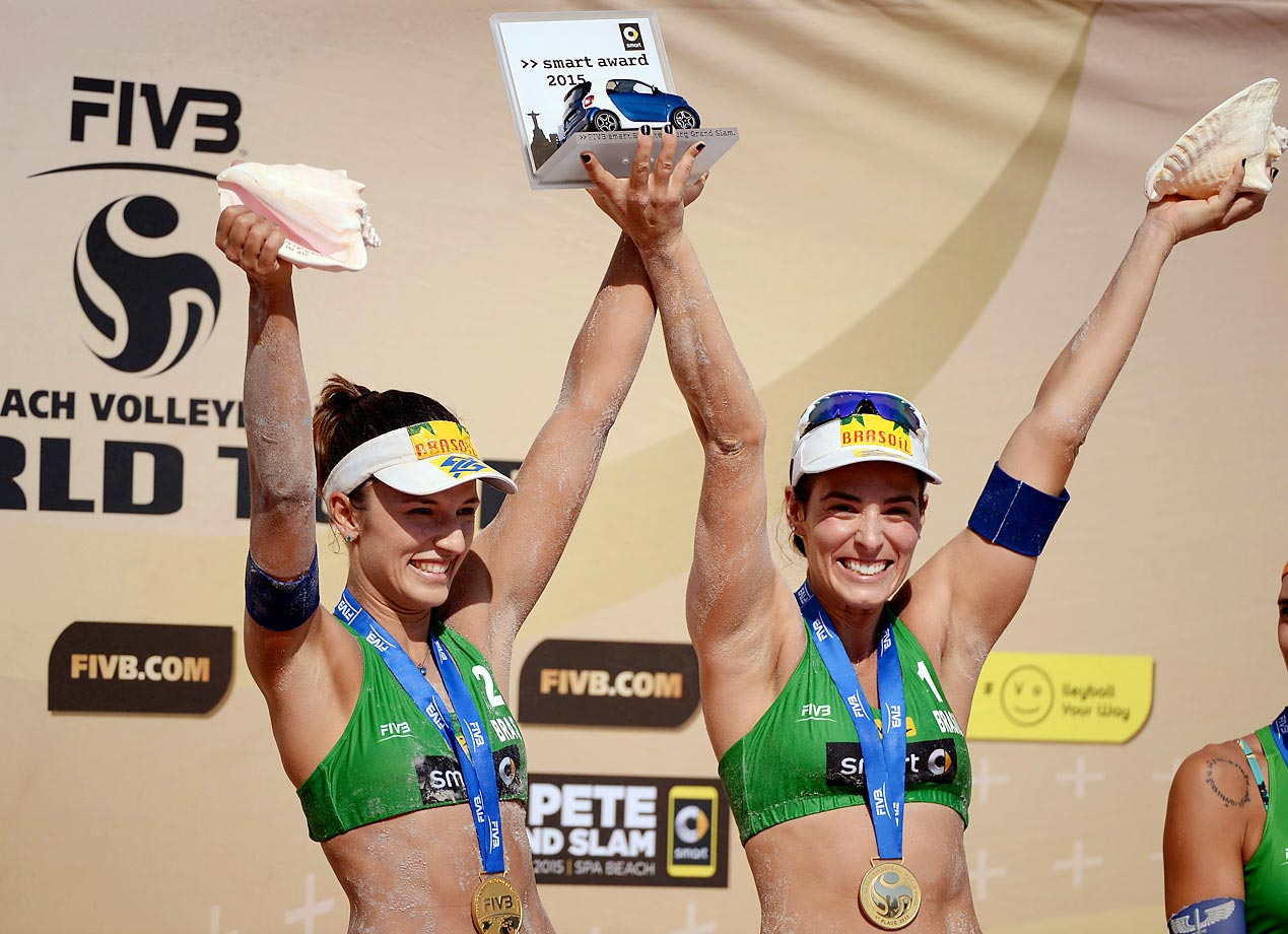 Agatha Bednarczuk and Barbara Seixas of Brazil stand on top of the podium, taking home gold.
