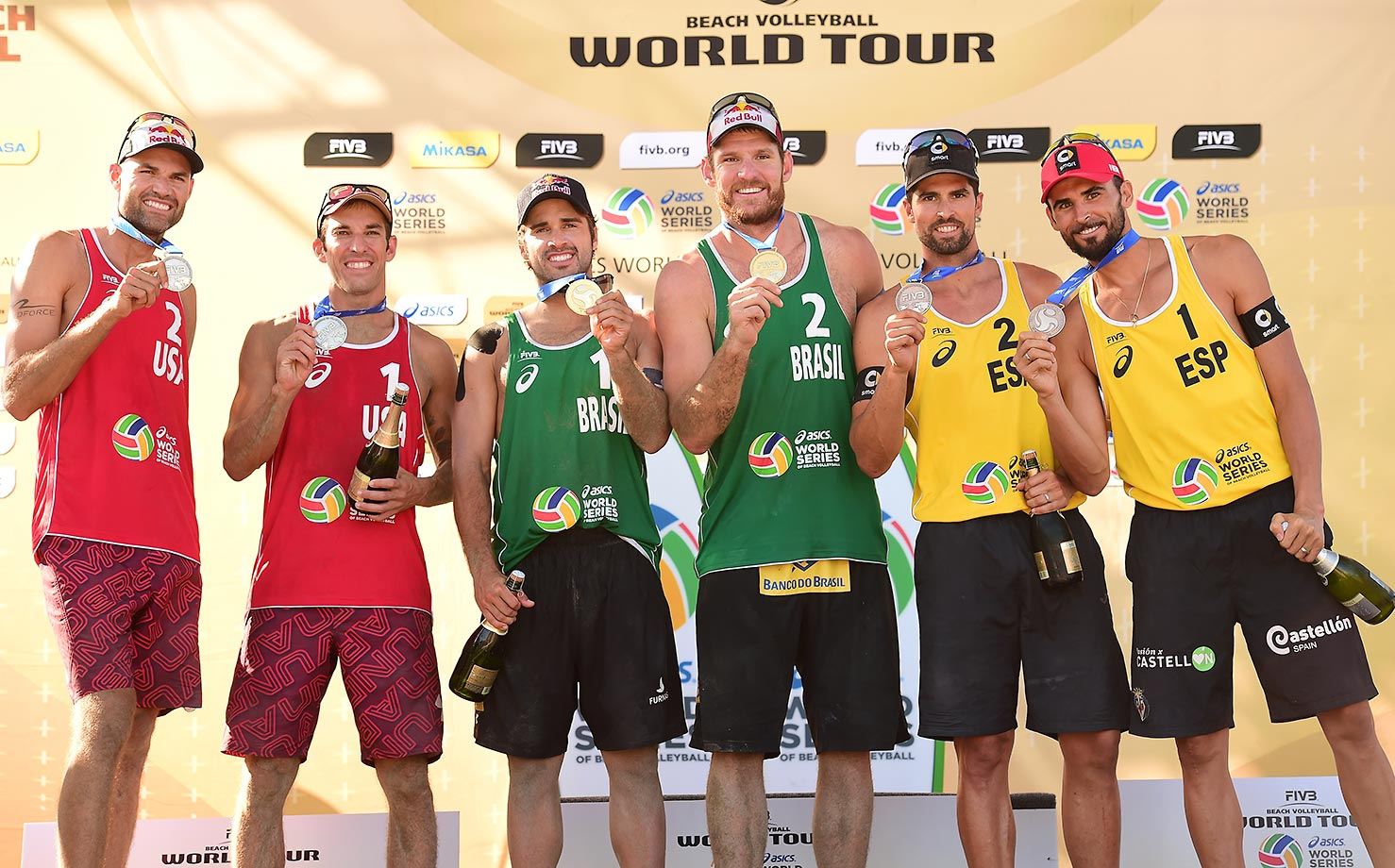 The men's medalists: Silver:Team USA (Dalhausser/Lucena); Gold: Team Brazil (Cerutti/Schmidt); Bronze: Team Spain (Herrera/Gavira).