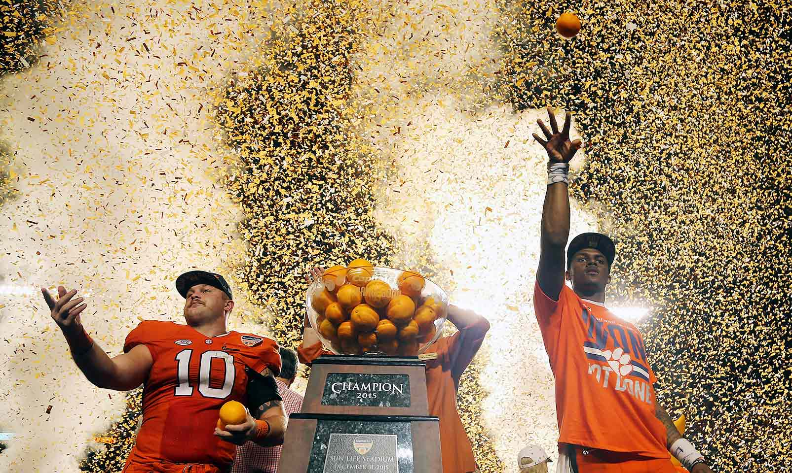 Clemson 37, Oklahoma 17: The Tigers piled on 312 rushing yards while limiting the Sooners to just 67 in the Orange Bowl. Clemson blanked Oklahoma in the second half to pull away for the win and advance to the national championship game.