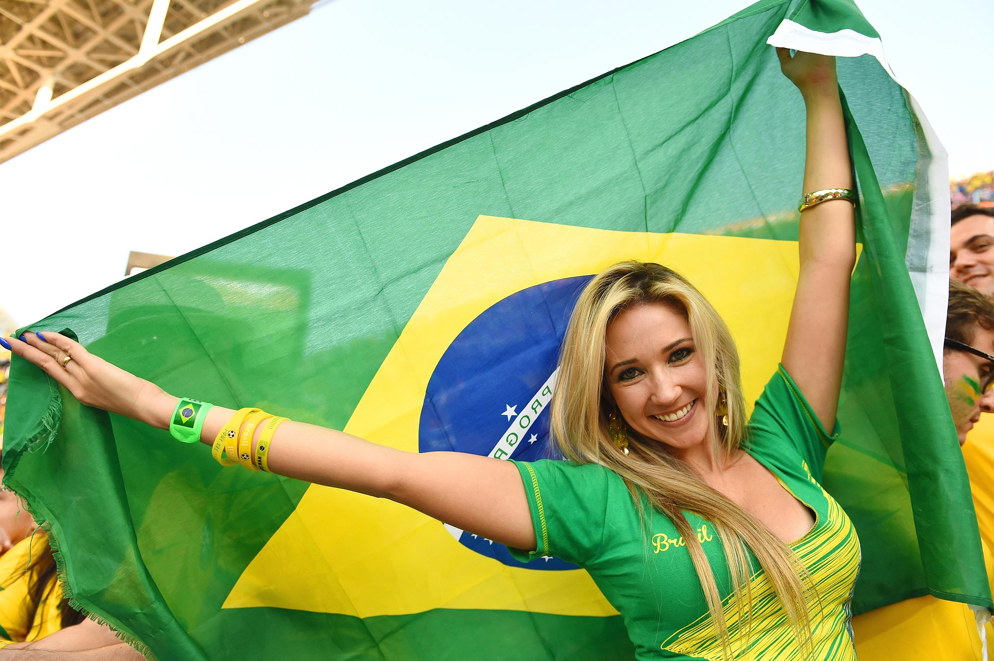 Female Fans of the World Cup (Groups A-D)