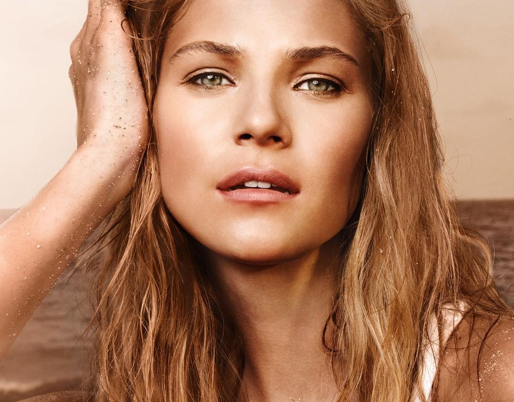 Caroline West :: Elite Model Management