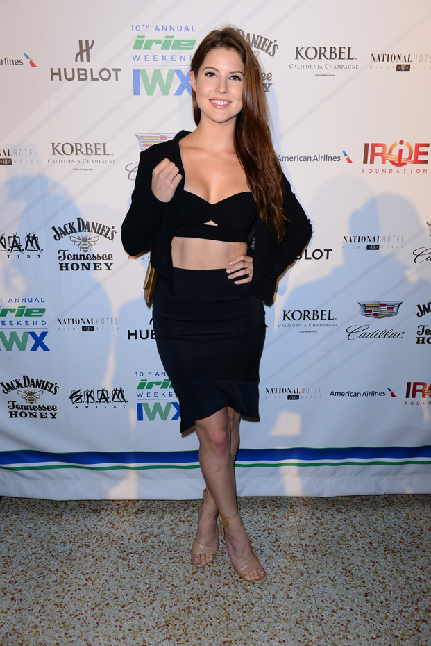 Amanda Cerny :: Getty Images