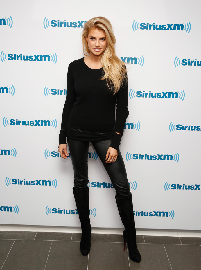 Charlotte McKinney :: Getty Images