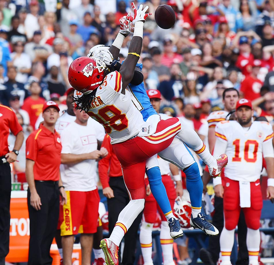 Ron Parker breaks up a pass intended for Eddie Royal during the Chiefs' 23-20 win over the Chargers.