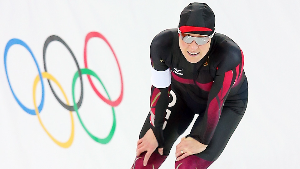 Still fighting a past doping case in court, Claudia Pechstein had to settle for fourth in the 3000m speed skating competition Sunday.