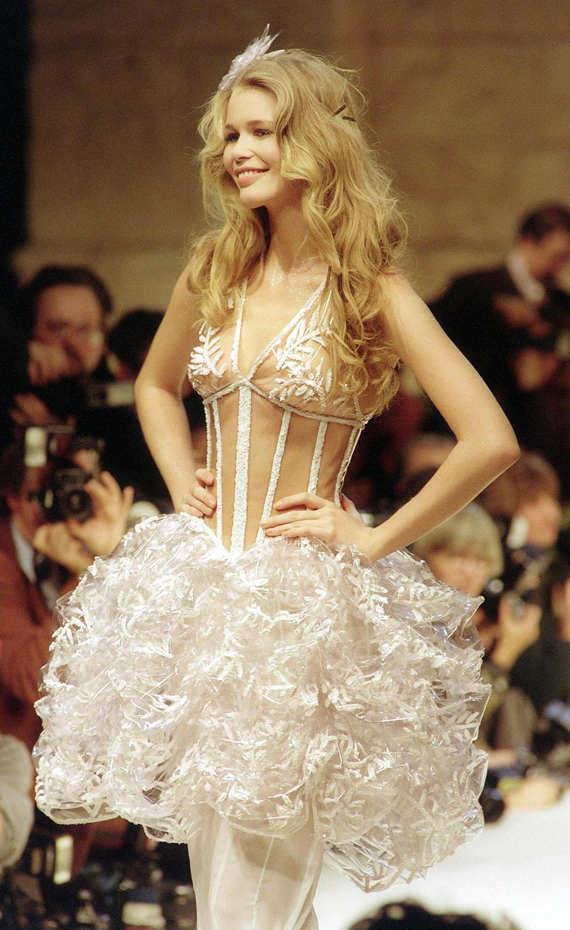 Claudia Schiffer :: Getty Images