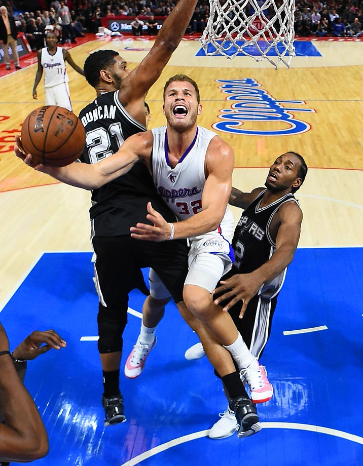 The Clippers' Blake Griffin attempts a layup during Monday's game against the San Antonio Spurs at Staples Center. The Spurs won 89-85.