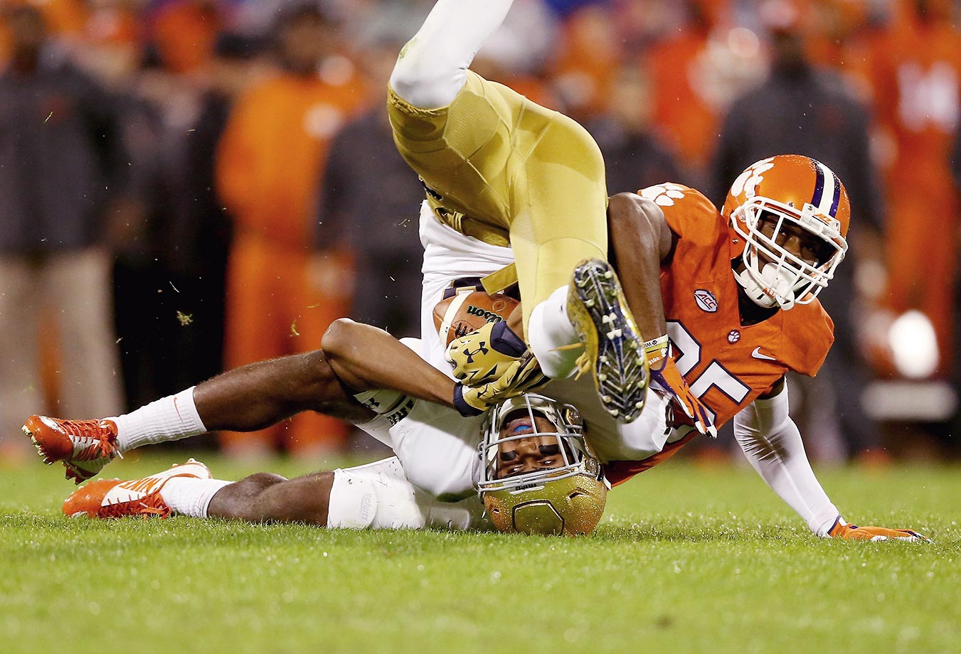 Cordrea Tankersley of Clemson tackles Corey Robinson of Notre Dame.