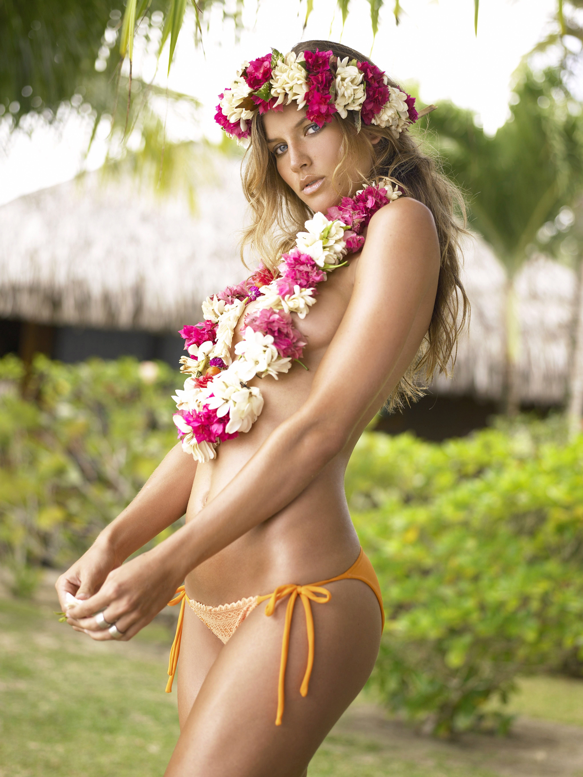 Mallory Snyder in Tahiti, SI Swimsuit 2006