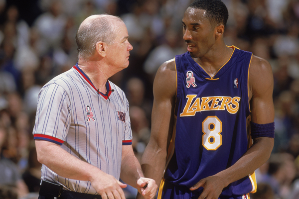 Kobe Bryant and Joey Crawford :: Getty Images