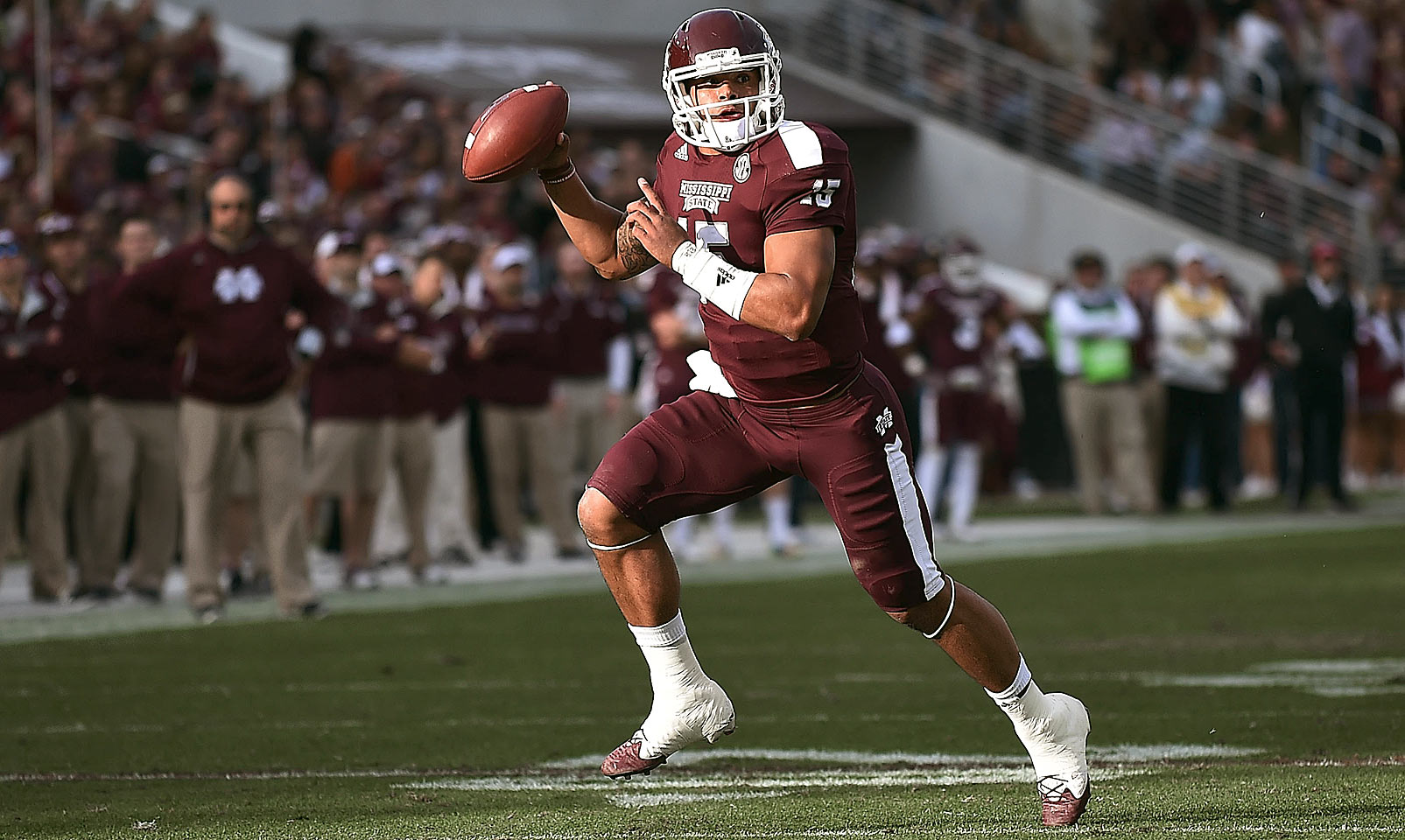 Prescott exploded onto the SEC scene in his junior season as he turned Mississippi State into the top-ranked team by the middle of the season. He threw for over 3,400 yards and nearly ran for 1,000 more. Prescott's presence under center gives the Bulldogs hope in the SEC West.