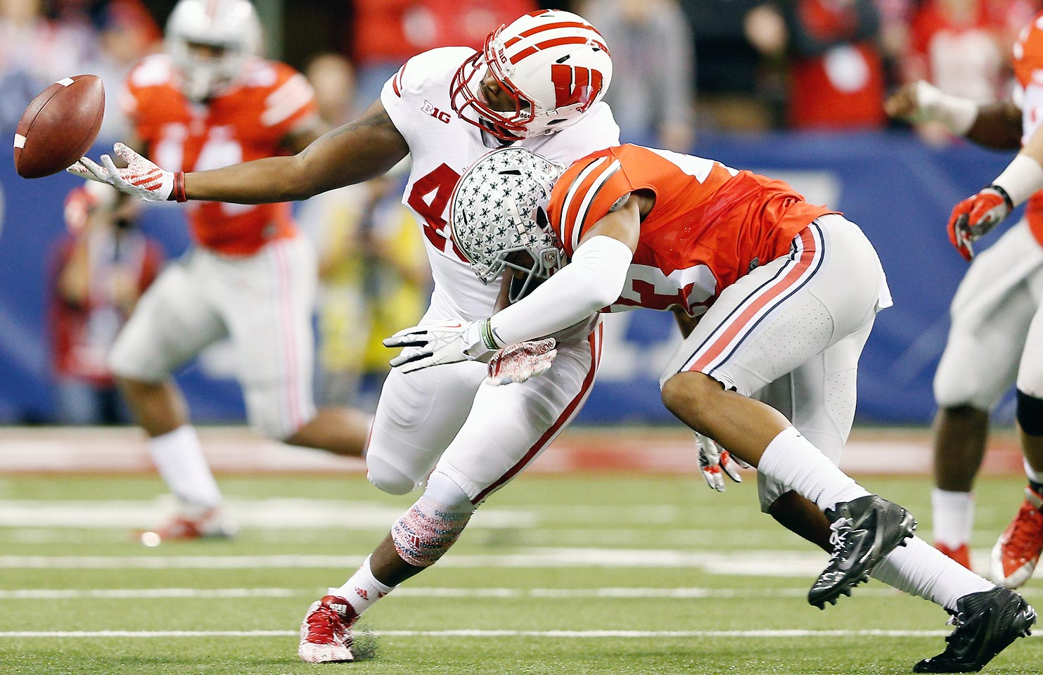 Lee returned from an injury that ended his freshman season to become a vital part of the Buckeyes' defense last year. His athleticism made him a threat in coverage or in the backfield, and the young linebacker isn't afraid to hit either.