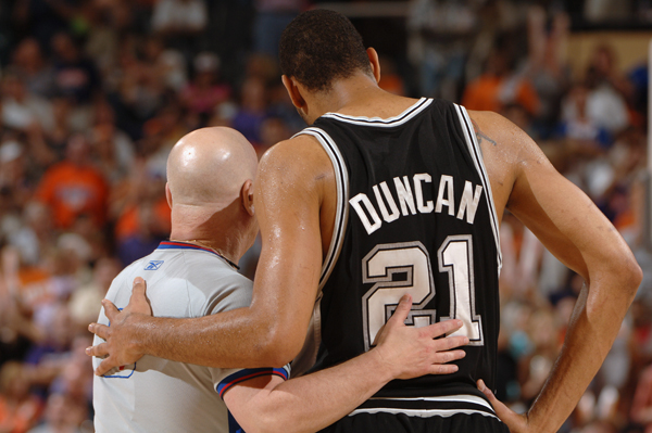Tim Duncan and Joey Crawford :: Getty Images
