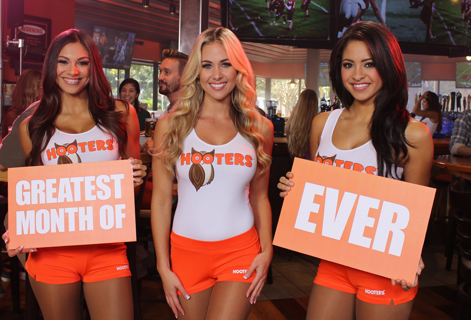 Emily Phelps :: Courtesy of Hooters