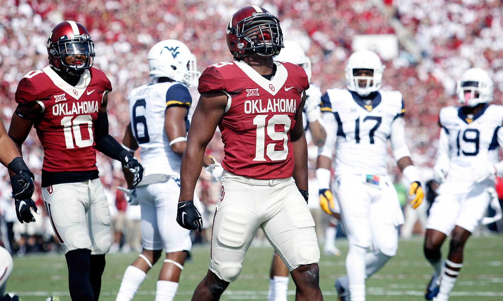 Oklahoma 44, West Virginia 24: Eric Striker led a dominant defensive effort with 13 tackles, three tackles for loss, two sacks and a forced fumble.The Sooners' defense forced five turnovers while Baker Mayfield continued to shine with 320 yards passing and three touchdowns.