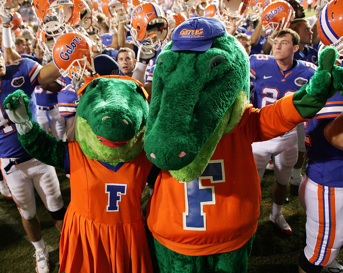 #24: Florida's Albert and Alberta Gator — Dawwwwwwwwwwwwwwww. They're so cute.