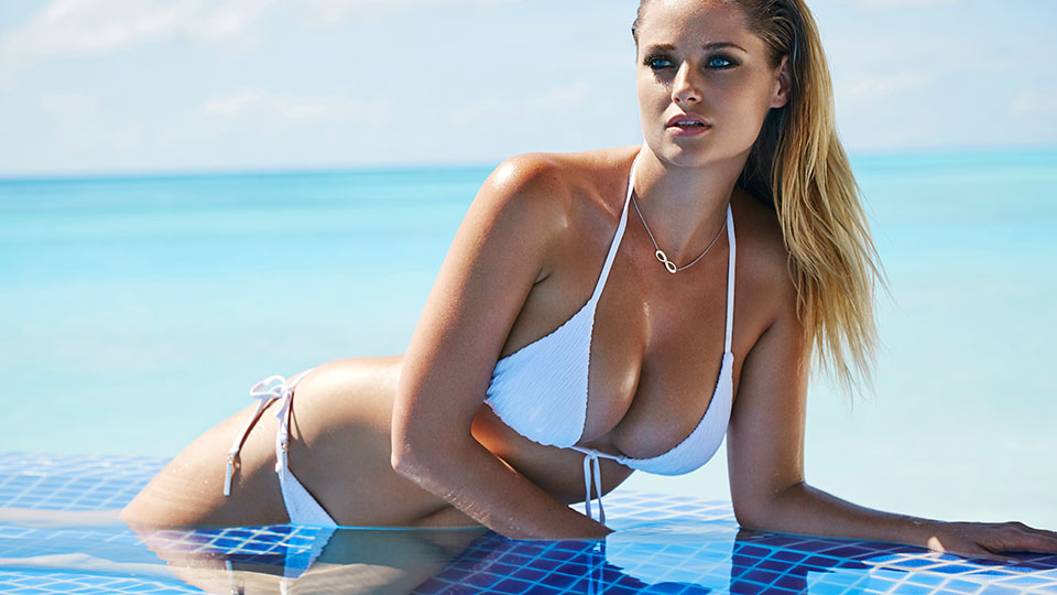 Genevieve Morton shares steamy snaps in her new # ...