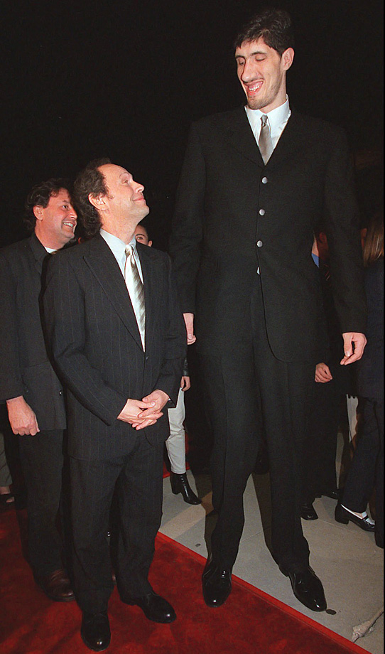 "What other role does a 7-foot-7 Romanian center play? Muresan certainly fit the height description for his character, Max Zamphirescu, in the Billy Crystal movie ""My Giant,"" in which Crystal tries to get Muresan into movies. A box office failure, ""My Giant"" was Muresan's only film appearance. Perhaps there weren't any more roles requiring an actor of his stature."