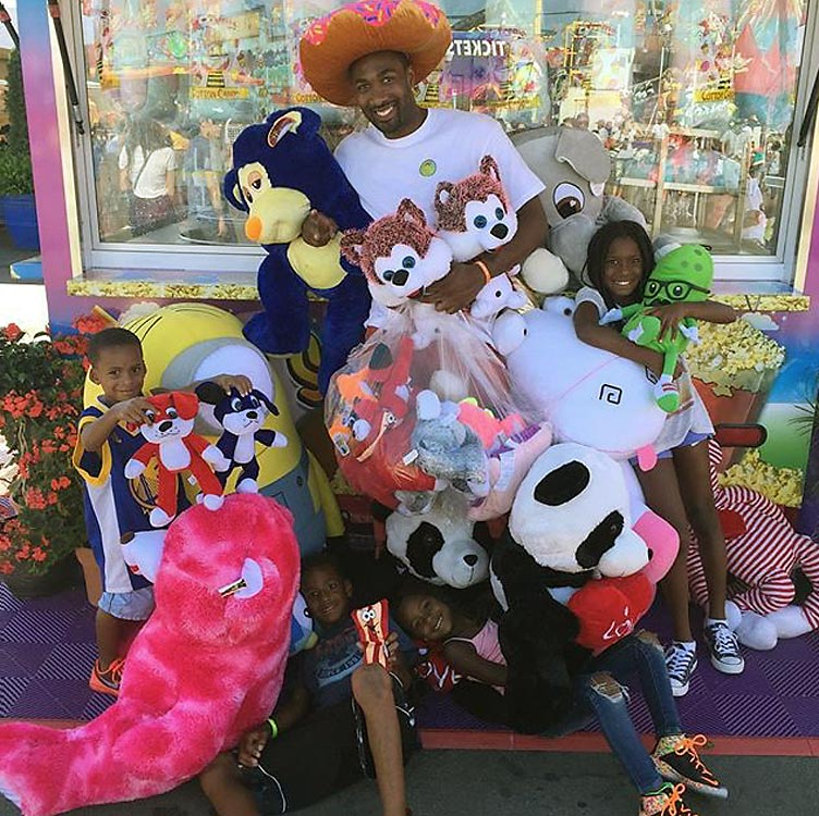 Gilbert Arenas, the former All-Star affectionately known as Agent Zero, took the county fair for all it was worth, using his considerable shooting skills to dominate the basketball games.