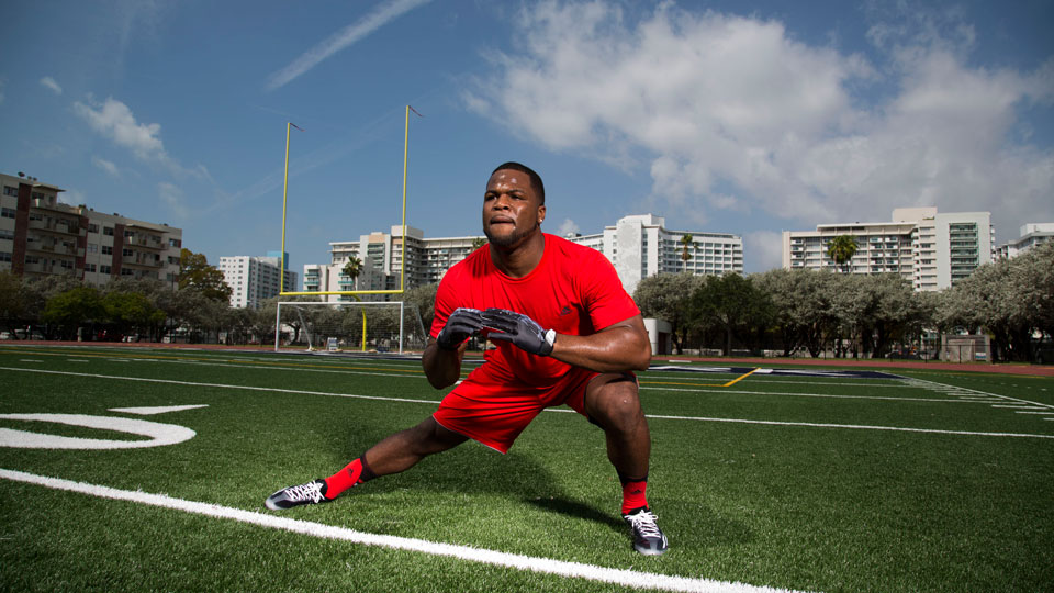 After a disappointing 40 at the NFL combine, former Buckeye Carlos Hyde is getting down to work on honing his speed.