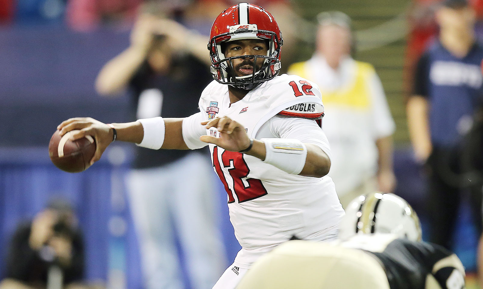 The former Florida passer was given the keys to the Wolfpack offense last season after sitting out 2013. Brissett responded with 23 touchdowns and over 3,000 yards combined running and throwing. His talent as a dual-threat helped N.C. State improve by five wins last season and could make the Wolfpack a tough conference foe in '15.