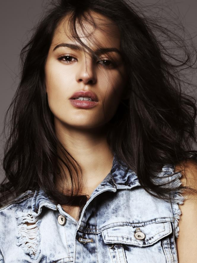 Jana Perez :: Courtesy of IMG Models